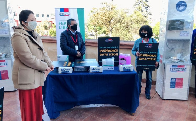 Gobierno entrega kits para reforzar medidas sanitarias en ferias libres y evitar contagios de COVID-19