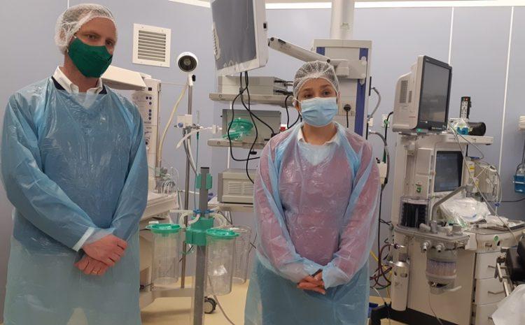 """Intendenta Lucía Pinto: """"En medio de la pandemia, seguimos avanzando en la cirugía mayor a la salud con la que nos comprometimos"""""""