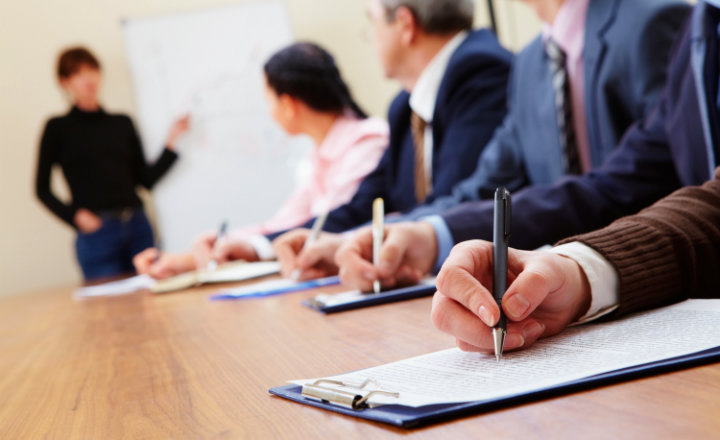 FOSIS conforma mesa público-privada para buscar alternativas de capacitación para emprendedores