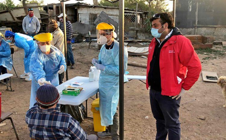Realizan exámenes PCR a personas en situación de calle en operativo de la Ruta Médica en La Serena