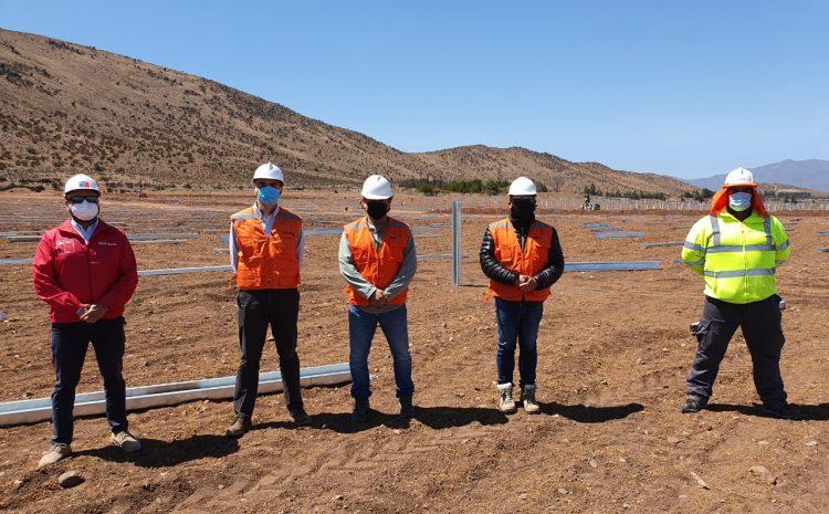 Seremi de Energía recorre construcción de nueva planta solar en Ovalle