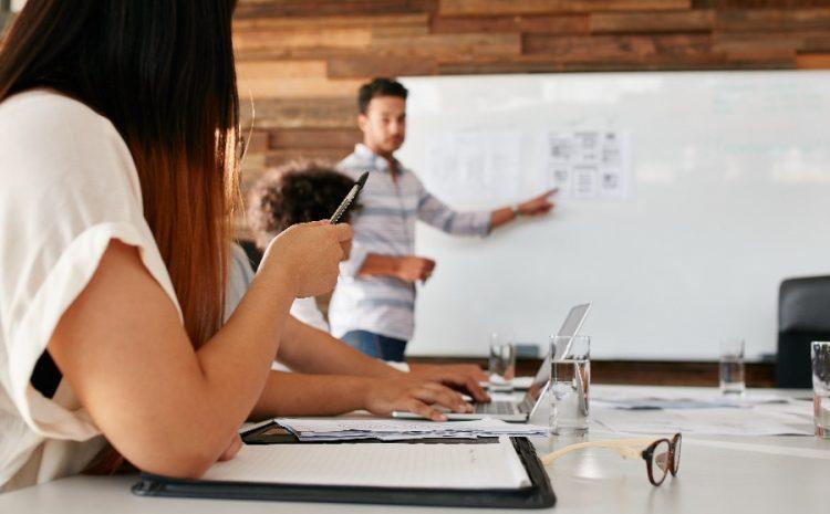 Convenio entre FOSIS y SENAME permitirá que jóvenes reciban capacitación y financiamiento para insertarse en el mundo laboral