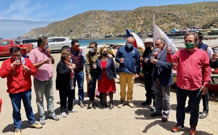 Planta de Osmosis inversa permite a pescadores artesanales de Puerto Oscuro tener hasta 5 mil litros de agua potable al día