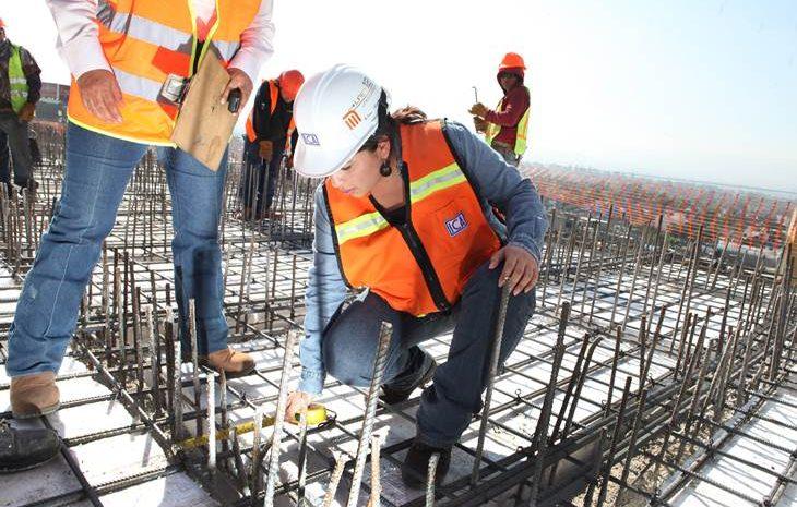 Mesa Mujer y Construcción: Buscan  reactivar la economía, aumentando la participación femenina en esta Industria