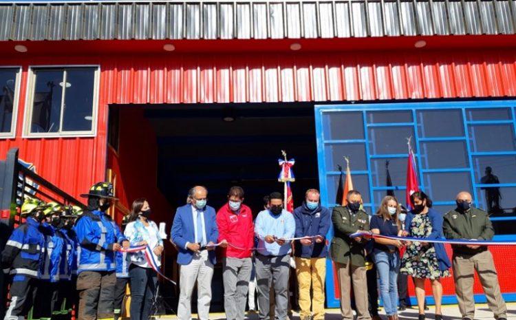 Bomberos de Caimanes reciben moderno Cuartel y vehículo de emergencia
