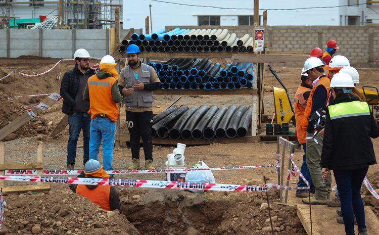 Aguas del Valle beneficia a más de 2500 hogares con obras de renovación de redes en Illapel y Salamanca