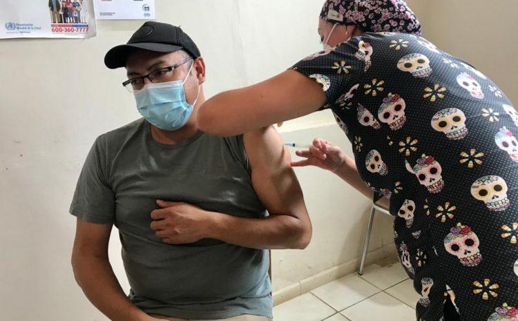 Este miércoles comienza proceso de vacunación Covid para adultos mayores en el Hospital de Los Vilos