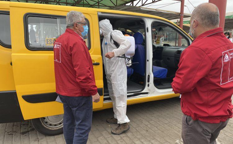 Autoridades participan de sanitización de furgones y entregan protocolo de operación para el transporte escolar