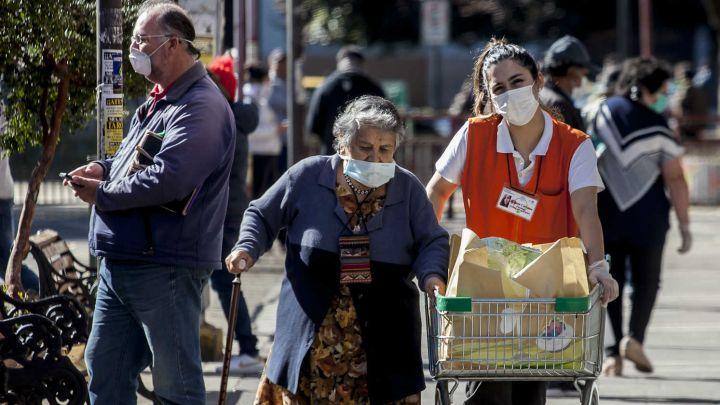 Cuarentena Chile: a qué hora y qué pueden comprar los adultos mayores sin permiso