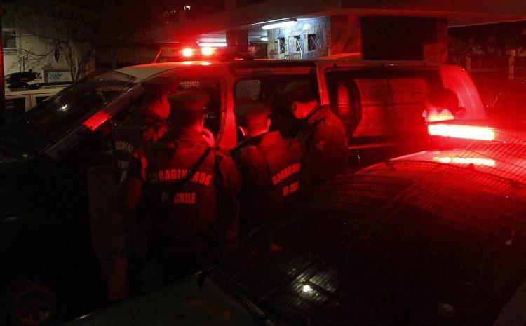 Valparaiso, 25 mayo 2017. Operativo de fiscalizacion nocturna en Valparaiso. Sebastian Cisternas/ Aton Chile