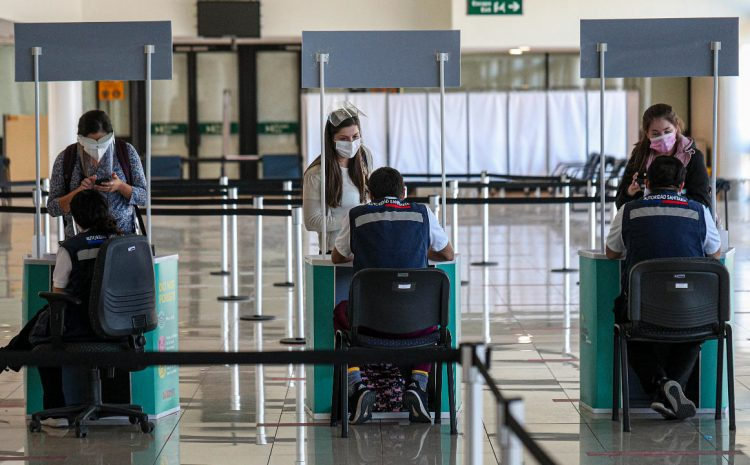 Gobierno agrega restricciones a fase de transición y renueva cierre de fronteras
