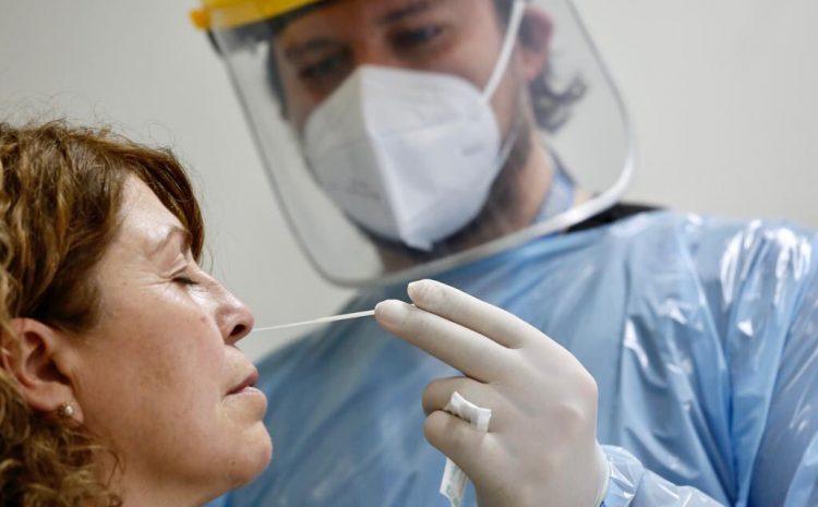Chile registra 8.680 nuevos contagios de Covid-19: la segunda cifra histórica más alta