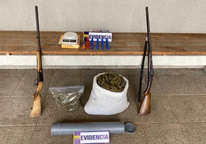 Detienen a adulto mayor en Los Vilos: El hombre de 73 años mantenía armas, municiones y 5 kilos de cannabis en su casa