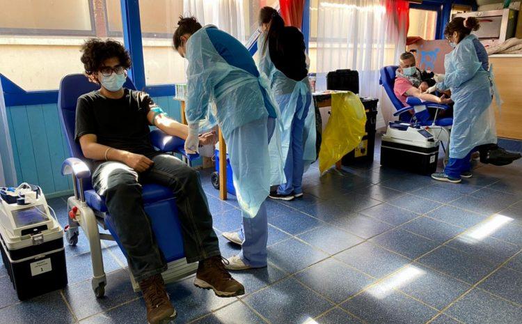 Voluntarios se acercaron al Hospital de Los Vilos para donar sangre en medio de la pandemia