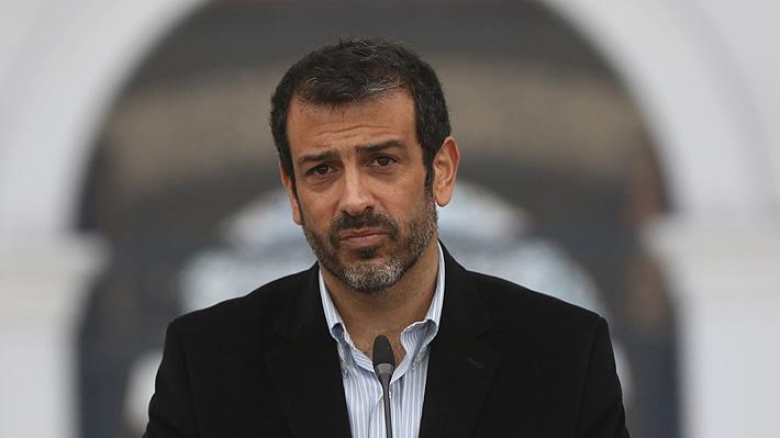 Ministro del Interior rechaza sustituir a Carabineros: «Su historia no se puede borrar de un día para otro»