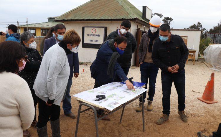 Vecinas de turismo norte asisten a visita inspectiva a las obras del proyecto «Plaza de Acceso de Los Vilos»