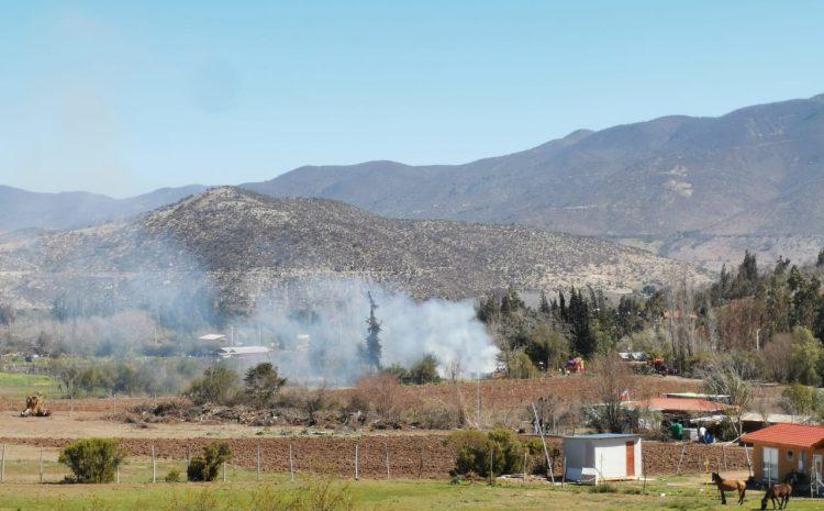 Incendio estructural en paradero 5 Peralillo