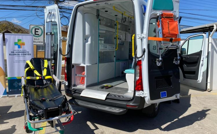 Dos ambulancias para los hospitales de Illapel y Salamanca son entregadas por MLP